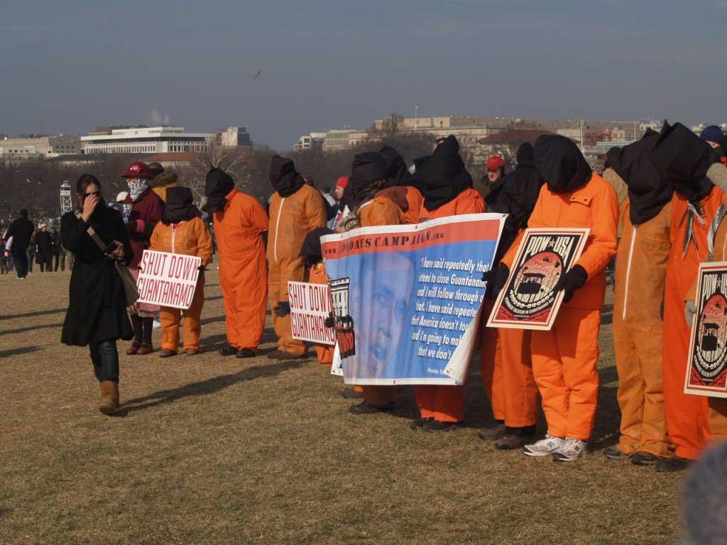 پرداخت غرامت به زندانیان گوآنتانامو